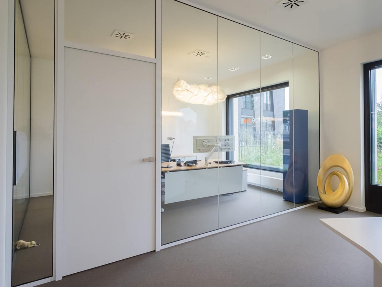 DFWNaish Büromöbel München