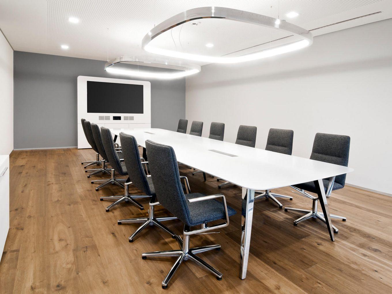 Holzmedia Büromöbel München